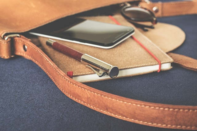 kancelárske potreby v taške