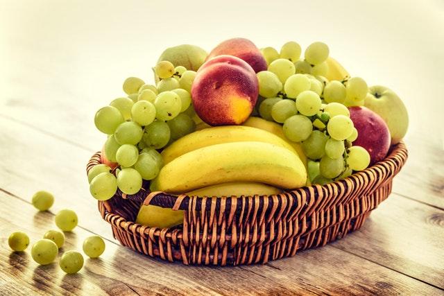 kôš s ovocím.jpg