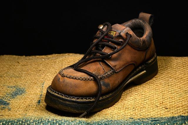 kožená topánka